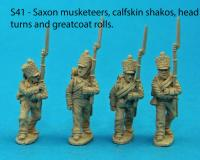 S41 - Four Saxon musketeers in march attack poses. Calfskin shako covers.