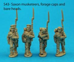 S43 - Four Saxon musketeers in march attack poses. Forage caps and bare heads.