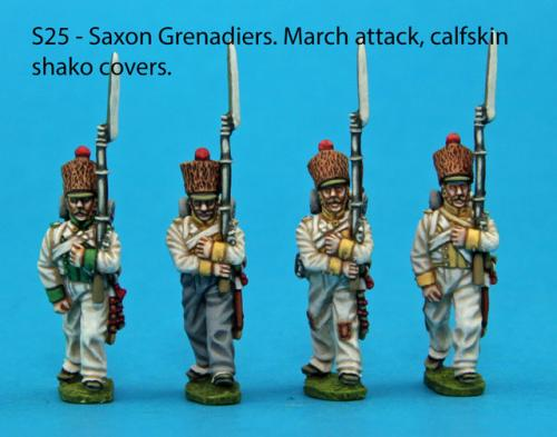 S25 – 4 Saxon grenadiers in march-attack poses. Calfskin shako covers.